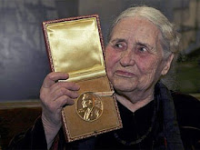 DORIS LESSING. Nobel Prize