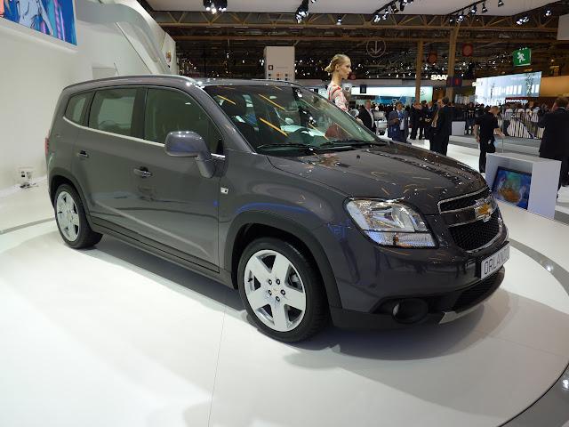 Salón de París 2010: Chevrolet Orlando 1