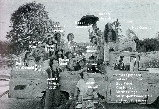 [Dykes+in+a+truck++who]