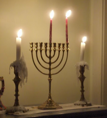 Hanukkah and shabbos candles
