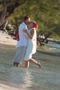 [Couple+at+Cayman+Kai+Villa]