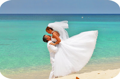 A Glorious Wedding on Seven Mile Beach - image 1