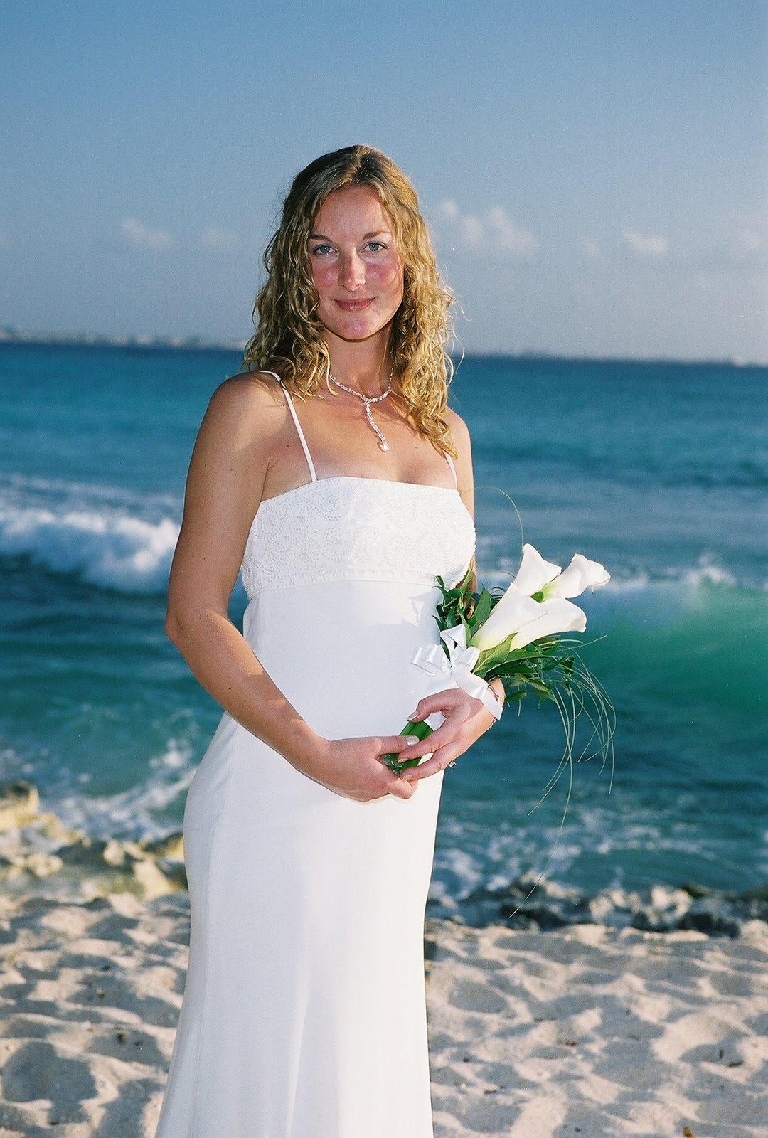 [Bride+with+calla+lilies]