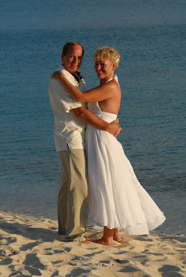Florida Couple have fun in the sun (and sand)! - image 3