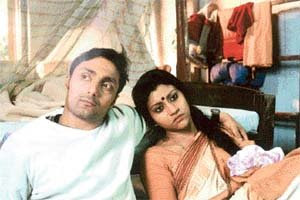 Rahul Bose and Konkona Sen in Mr and Mrs Iyer