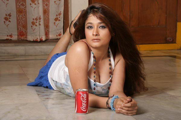 Kiran Rathod Hot Movie Stills