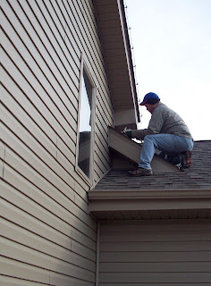 its time to put our lights in the yard and on the roof isnt this exciting in part 1 we went over the philosophy behind clean neat and classy christmas - How To Put Christmas Lights On Roof