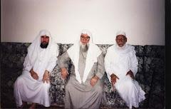 Sheikh Sa'duddin Murod (tengah) dan Sheikh Yusuf Al-Hasani (kiri)