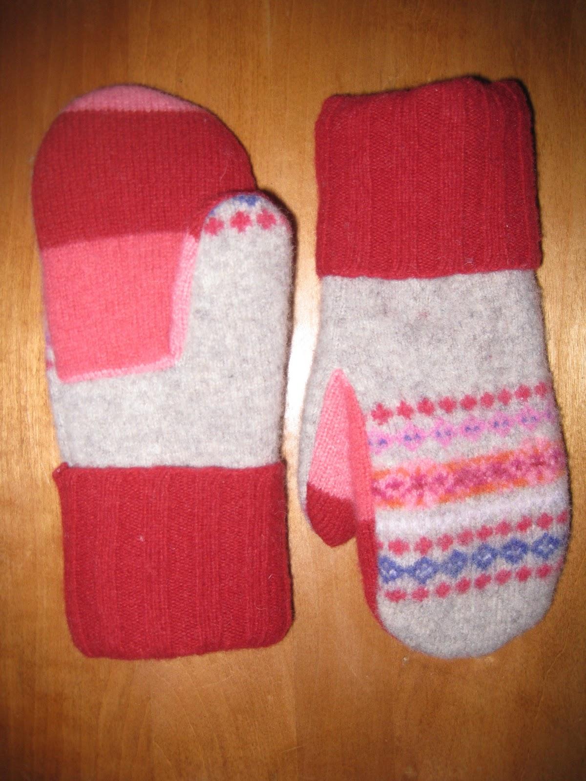 """Dutch Made: Wool """"Sweater"""" Mittens"""