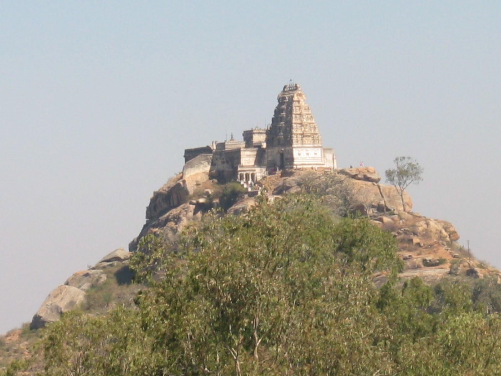 Yoganarasimha Swamy Temple, Melukote