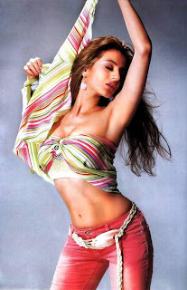 hot & sexy bollywood actress Amisha Patel changed her name to Ameesha
