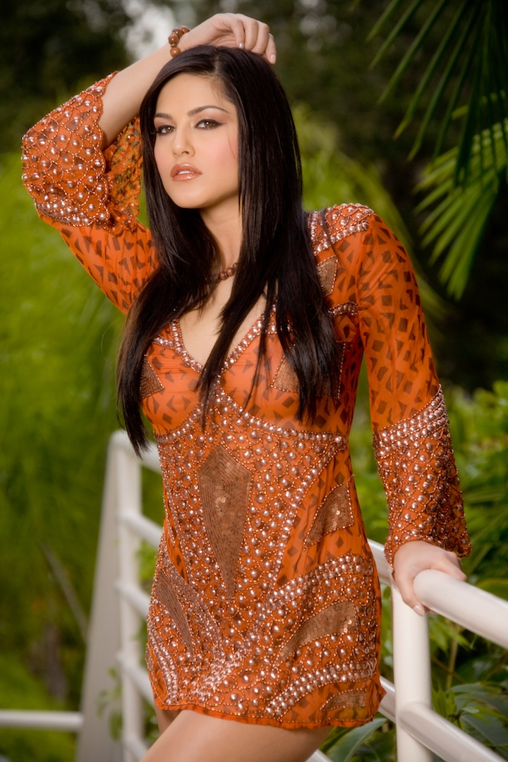 Wallpaper World Sunny Leone Sexy Photo Shoot-9895
