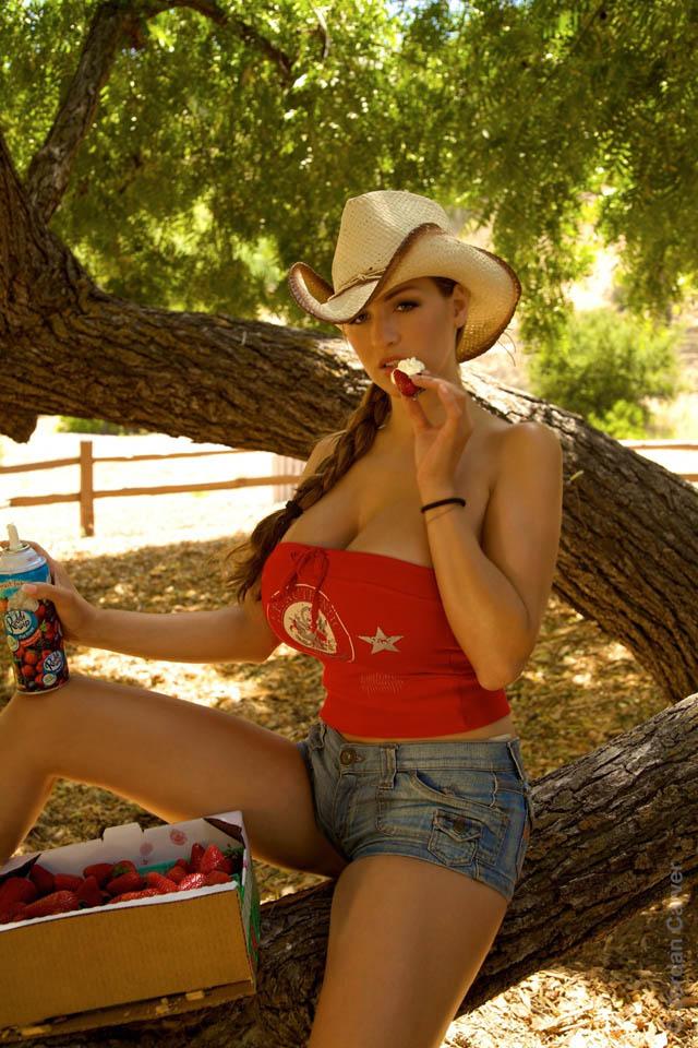 Amisha patel yellow bikini show - 1 part 2