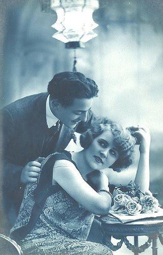 cartes postales anciennes carte postale ancienne couple en noir et blanc. Black Bedroom Furniture Sets. Home Design Ideas