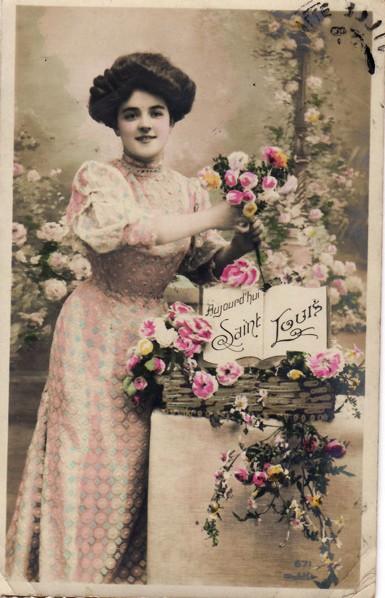 Ancienne carte, femme avec des fleurs