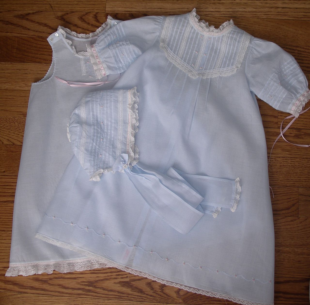 The Old Fashioned Baby Sewing Room: Gertrude Baby Slips