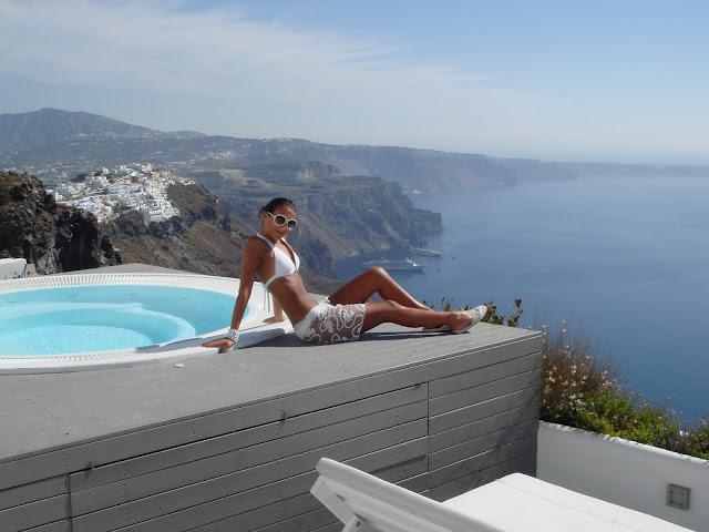 Total white Santorini bikini outfits and style