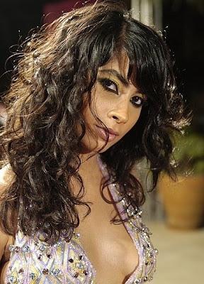 روبي وملابسها المثيرة فى                                                       فيلم ليلة البيبى دول Ruby110308p2