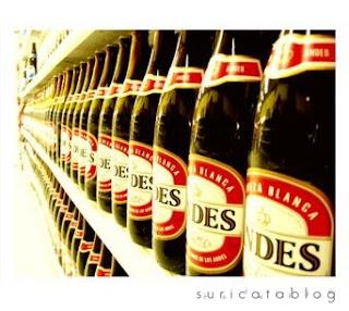 """ir a comprar cerveza es pedirle al kiosquero que me de """"una Andes """";"""