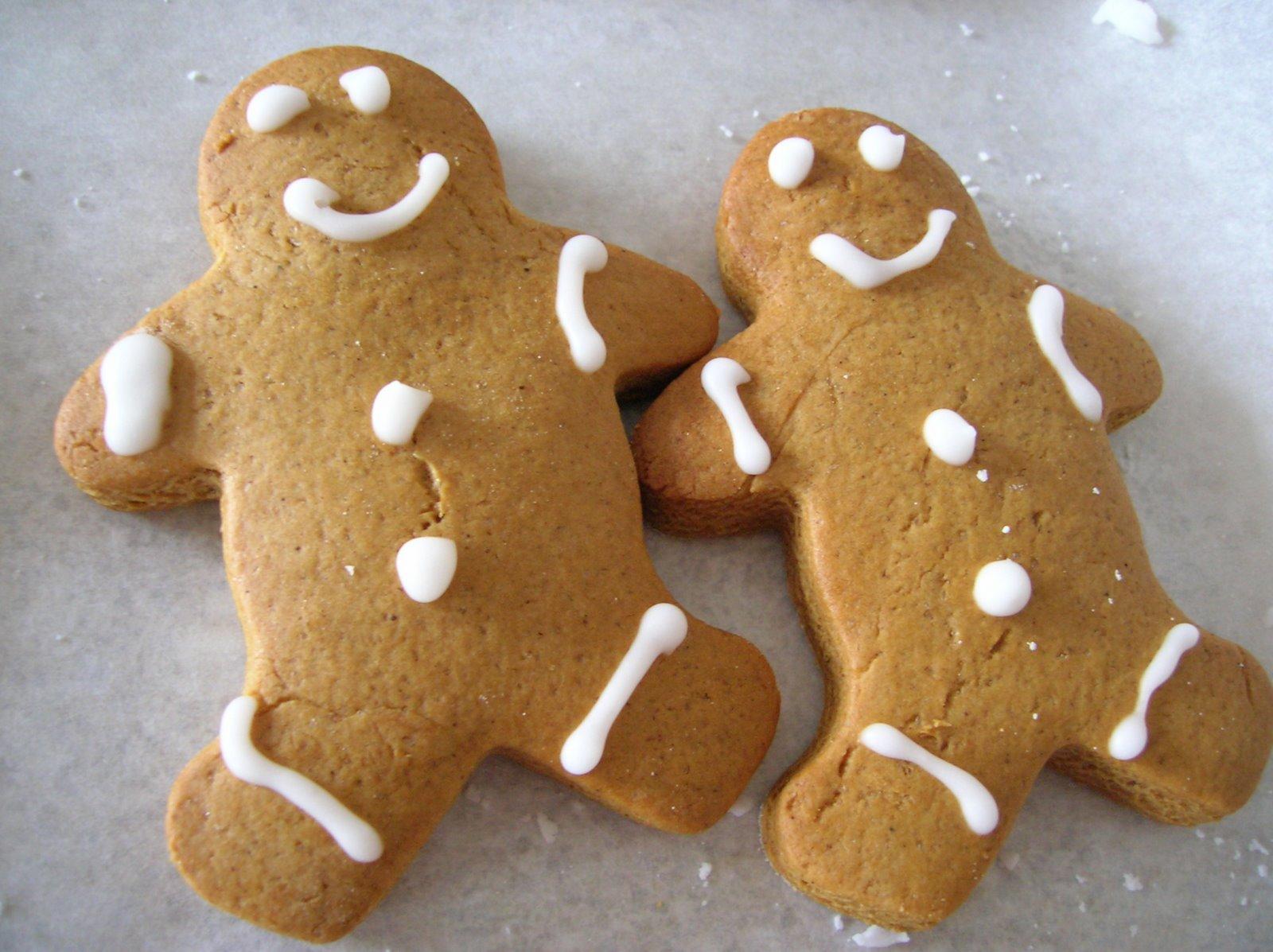 [GingerbreadLove.JPG]