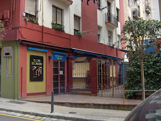 Donde se bebe el mejor agua de Valencia de Santander, arriba esquina Jiménez Díaz