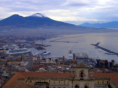 Italia. Italy. Italie. Campania. Nápoles. Napoli. Napule. Naples. Vesubio. Vesuvio. Volcán. Fortaleza de san Telmo