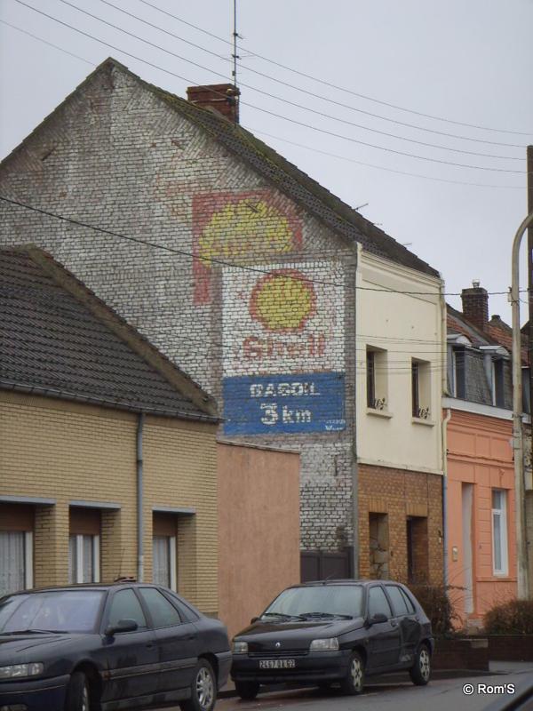 Les murs peints s 39 affichent pignons pas de calaisiens sur for Garage ford noyelles godault
