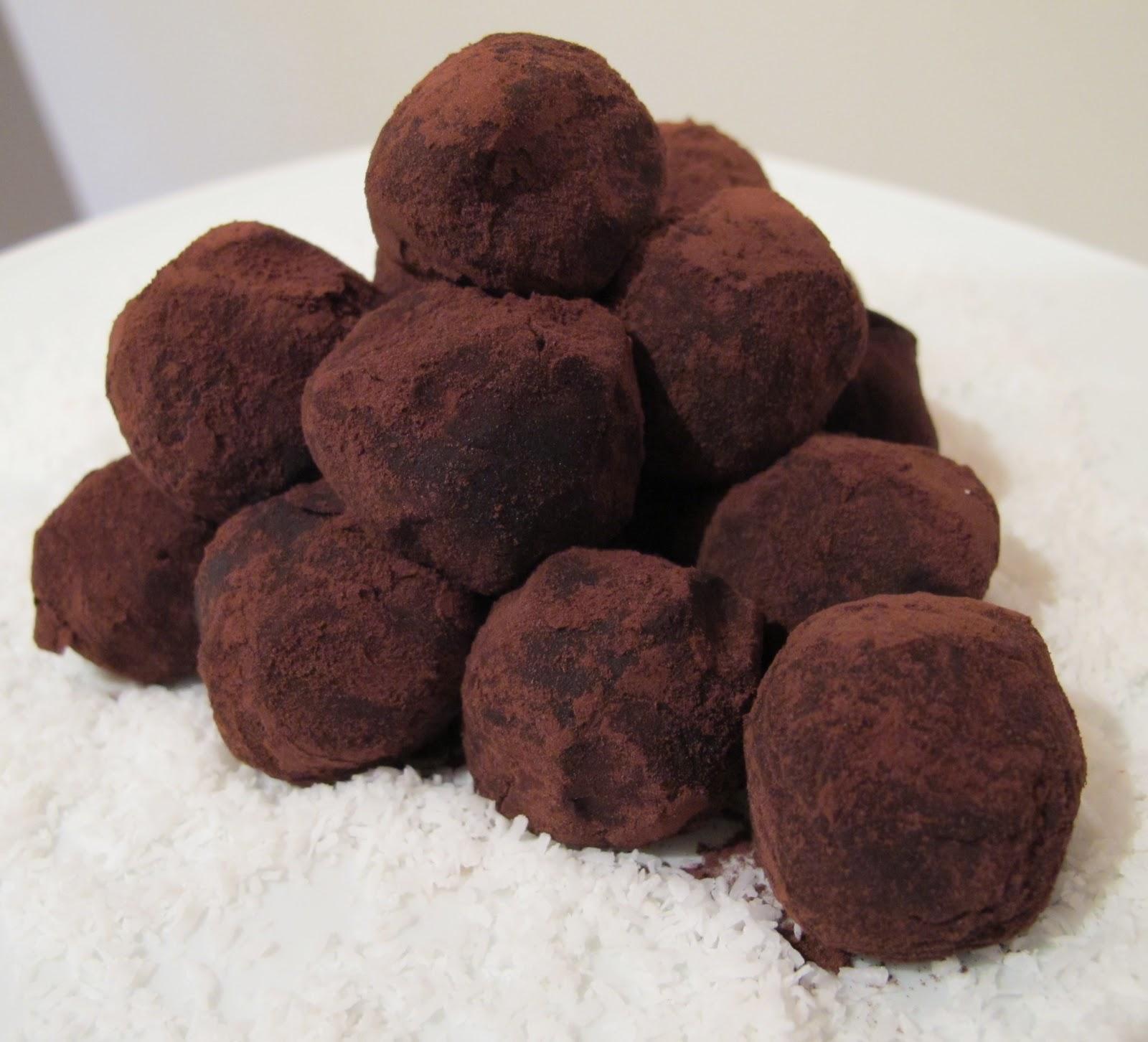 croque en bouche truffes au chocolat noir sp cial no l. Black Bedroom Furniture Sets. Home Design Ideas