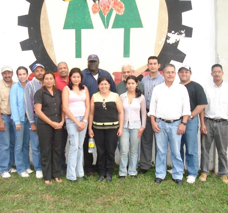 Visita de representantes de HEIFER
