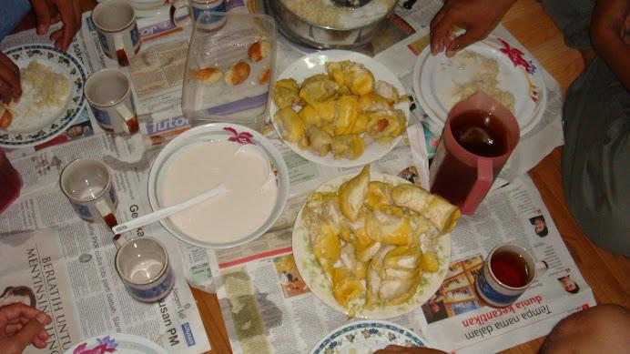 Sehari bertemu durian