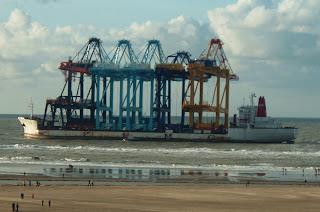 Zhen Hua 10 ground near Rotterdam