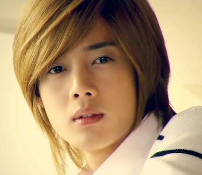 http://1.bp.blogspot.com/_Zy8BCEsqEhY/SaARN-vrjgI/AAAAAAAAJ14/zMCO722k9UY/s400/Kim+Hyun+Joong+(2).jpg