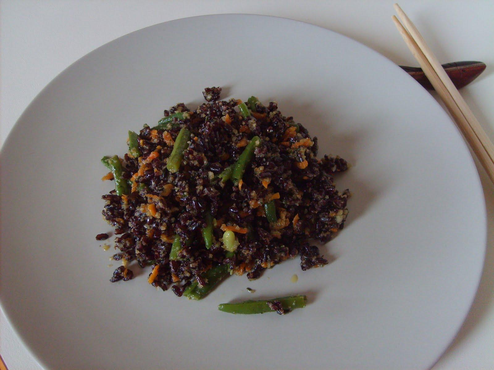 Vissi d 39 arte e di cucina riso venere con verdure e pesto for Cucinare riso venere