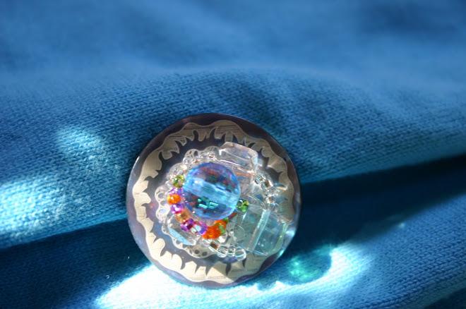 Cristal bleu sur cristal blanc