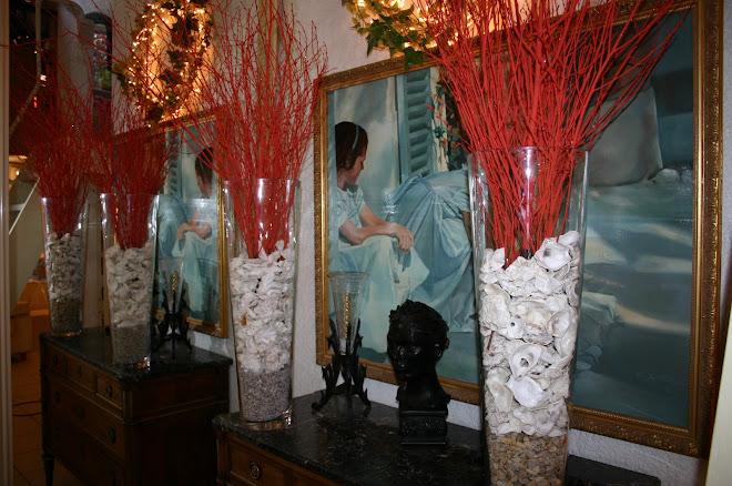 """Vases de 70 cm de haut pour """"rythmer"""" les buffets"""