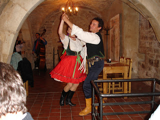 Baile durante la cena en Casa Rott