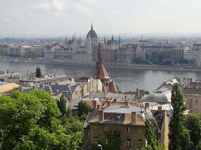 El Parlamento visto desde el Bastión de los Pescadores