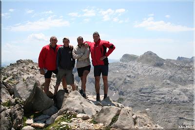 Añelarra Mendiaren Gailurra 2.358 m.  -  2007ko uztailaren 14an