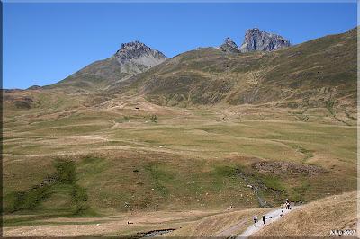 Peyreget y Midi d'Ossau desde la carretera.
