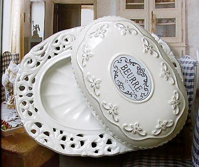 ażurowa ceramika - maselniczka