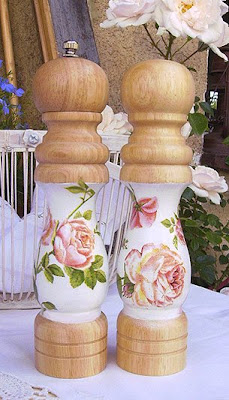młynek do pieprzu i solniczka - z motywem róż