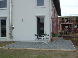 hausbautagebuch schotter terrasse. Black Bedroom Furniture Sets. Home Design Ideas