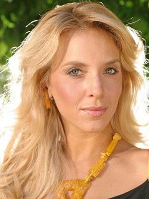http://bp1.blogger.com/__5SChQI3GzA/R8bizmhP8ZI/AAAAAAAAAMc/LnfwJvV8uDQ/s400/Carla+Peterson.jpg