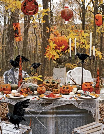 Simply Suzanne's AT HOME: Halloween decorating