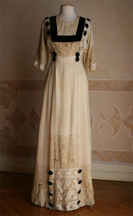 Womens Victorian Dress Costume