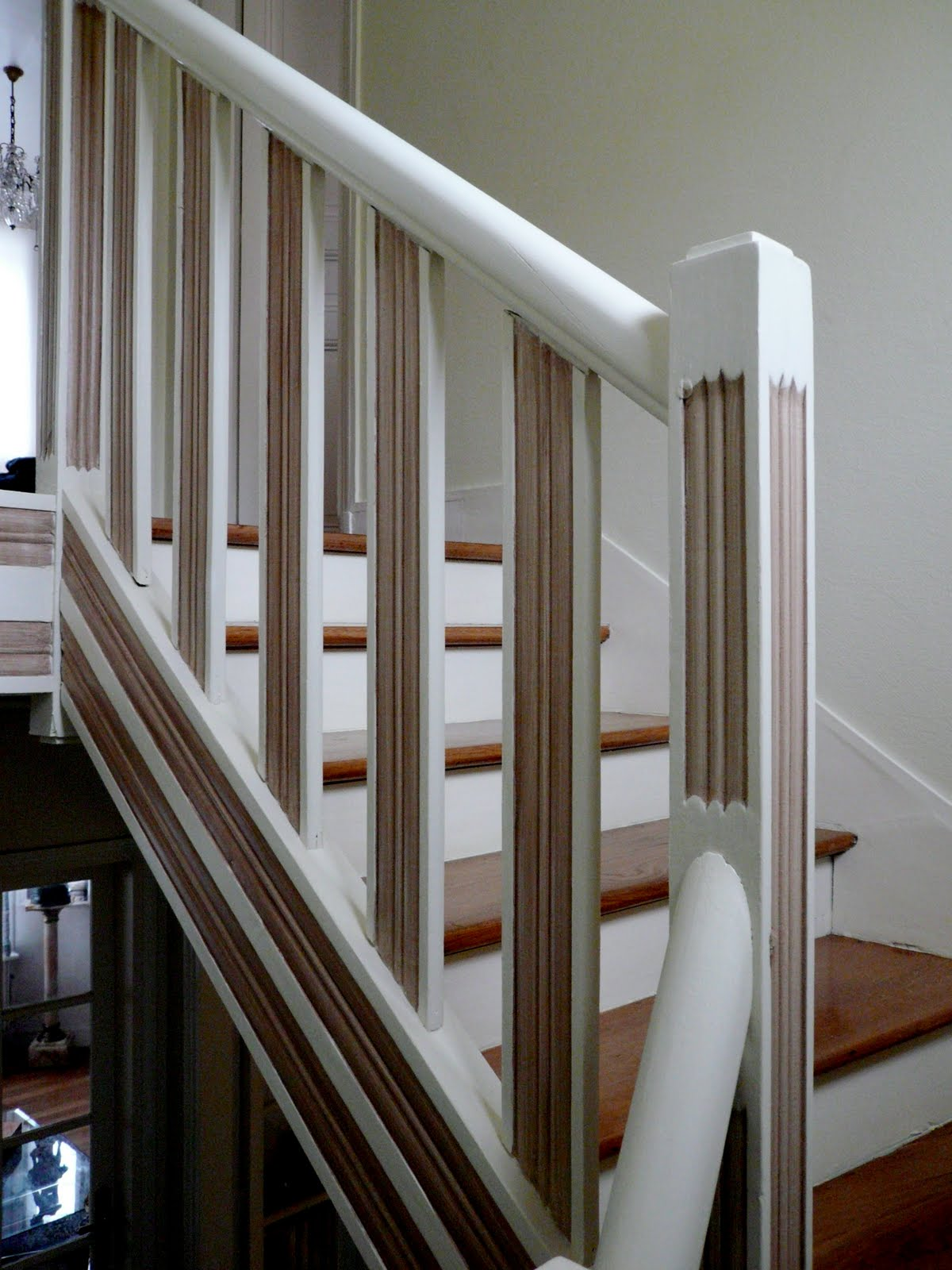 peinture escalier bois. Black Bedroom Furniture Sets. Home Design Ideas