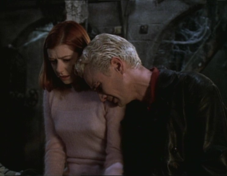 Doux Reviews: Buffy the Vampire Slayer: Lovers Walk