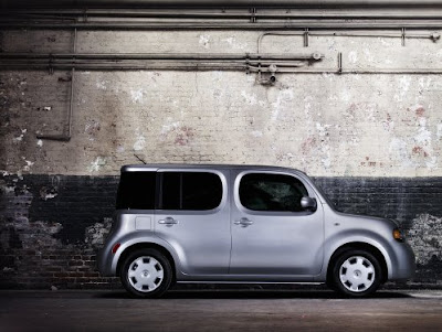 2009 Nissan Cube S - Subcompact Culture