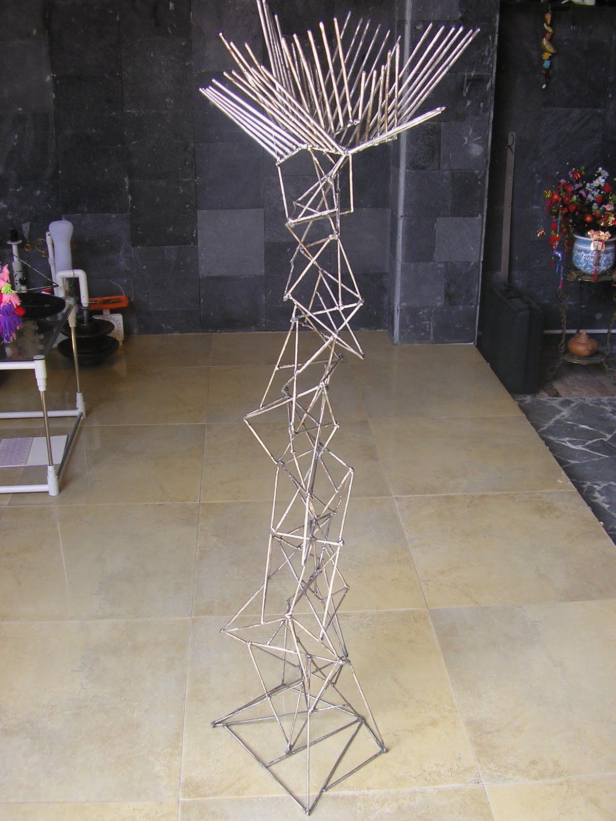 Sensatiocraft: Floor lamp sculpture