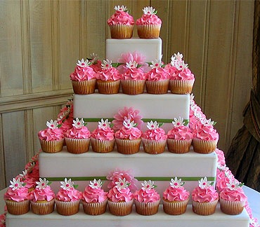 Little Big Company | The Blog: Do Your Own Cupcake Tower ...